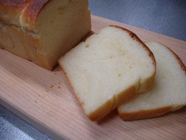 生クリーム入り食パン2.jpg